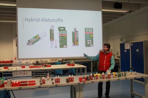 """OEM Aufbauschulung 1 """"Kleb- und Dichtstoffanwendung im Maschinen- und Fahrzeugbau"""""""