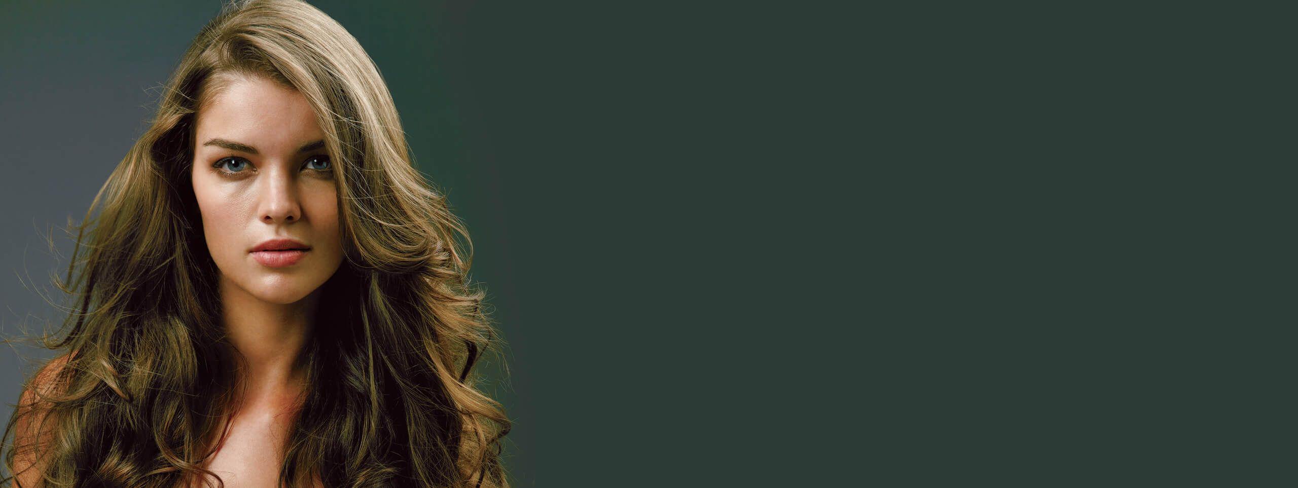 Длинные вьющиеся тонкие волосы