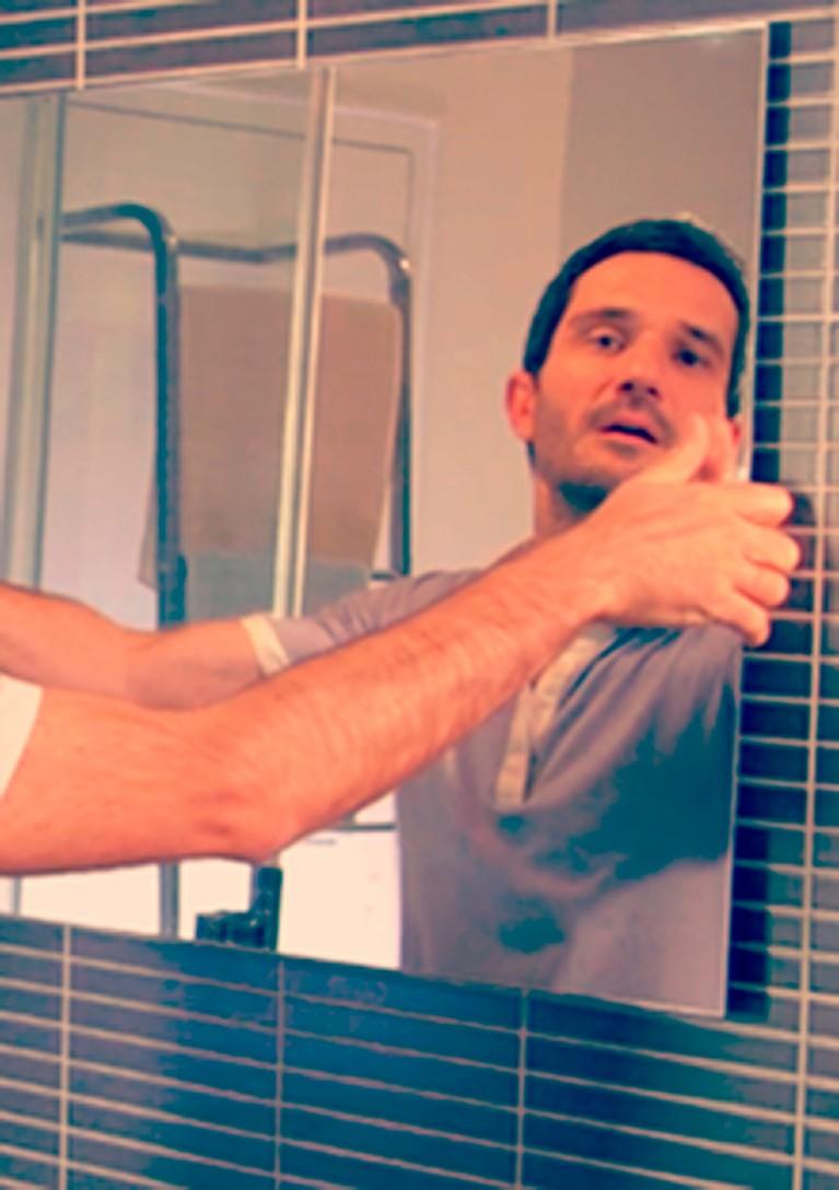 Incollare uno specchio