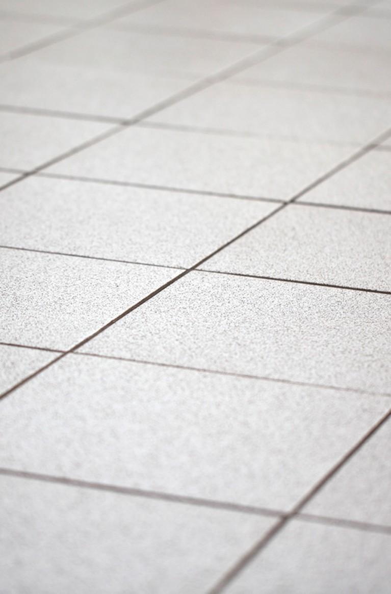 Fliesen legen mit Entkopplungsmatte