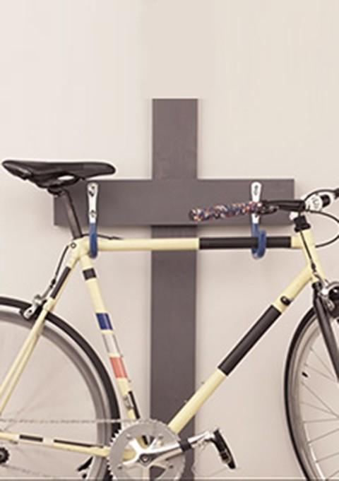Installer un porte-vélo mural dans le garage