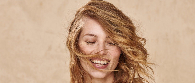 La linea 100% Vegetal regala colori naturali per capelli luminosi
