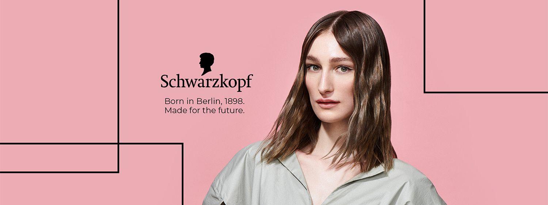 Junge Frau mit hellbraunen, mittellangen Haaren - Looks von Berlin