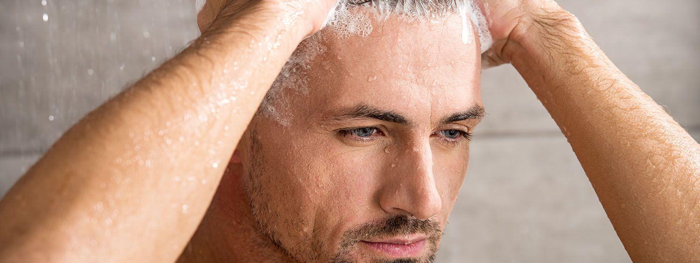 Fryzury męskie zaczesane do tyłu