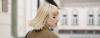 blonde Frau mit Kurzhaarschnitt