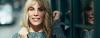 Frontansicht Frau mit blondem Haar