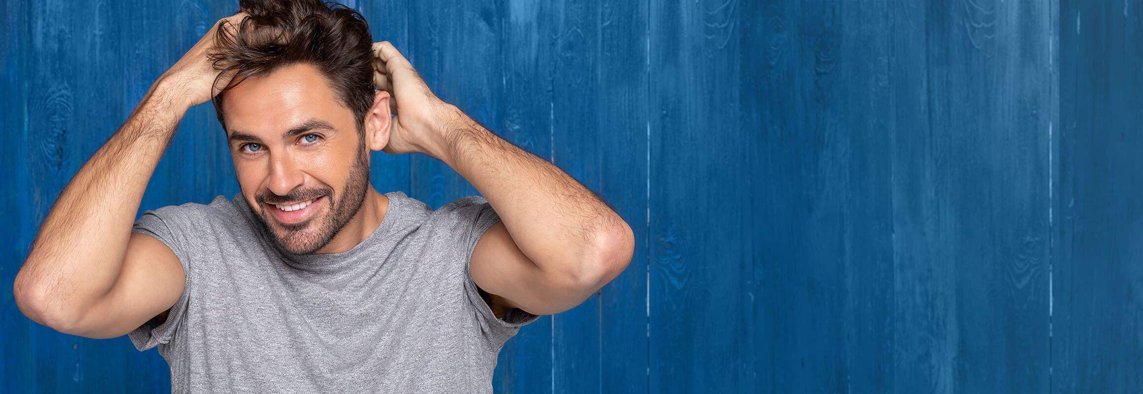 Coloración castaño oscuro gafas azules Robert Downey Jr