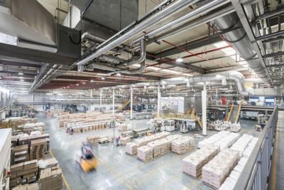 How to Increase Productivity in Manufacturing With the Right Strategy
