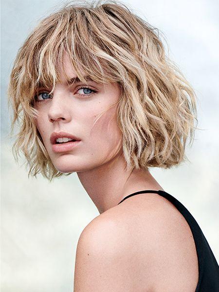 Color castaño con peinado bob flequillo