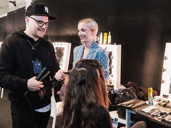 Moderatorin Janin Ullmann mit Armin Morbach backstage