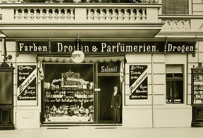 Kleine Drogerie von Hans Schwarzkopf in Berlin.