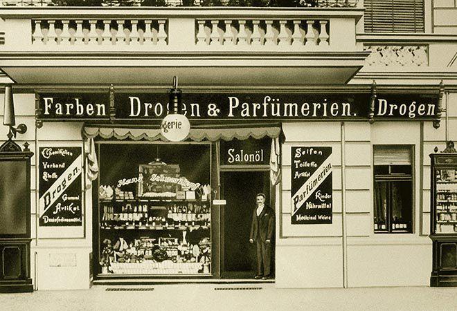 The small drugstore of Hans Schwarzkopf in Berlin.