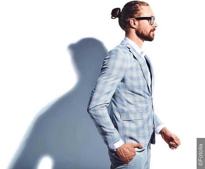 Elegantný mužský uzol je vhodný aj pre pracovný image