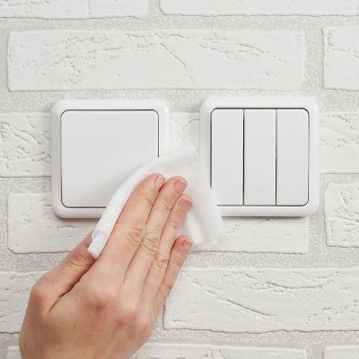 Lichtschalter reinigen