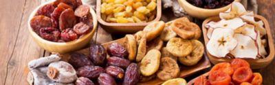 Verschiedene Sorten getrockneter Früchte
