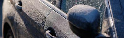 Drzwi samochodowe przymarzły! Co teraz?