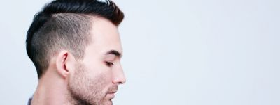 Article-Hero-2560x963-1-53-Hairstyles-For-Men-Modern-Yet-Timeless-Short-Hairstyles-For-Men-wcms-us