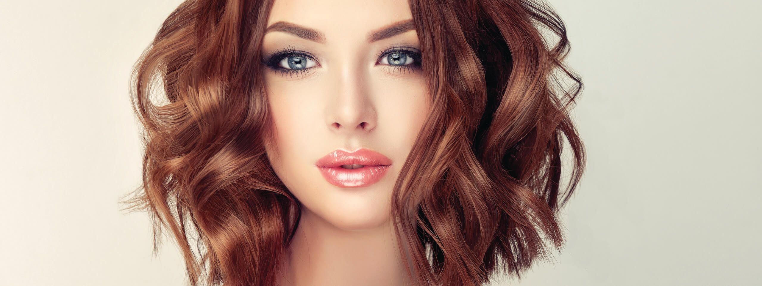 Woman with wavy hairstyle