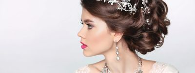 Article-Hero-2560x963-32-Wedding-Wedding-Styles-For-Long-Hair-wcms-us