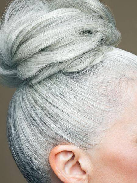 Haare frauen frisuren graue Frisuren 2021