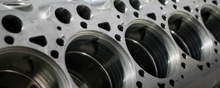 Cylinder ports in an engine block