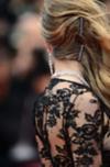 Bobby Pins können nicht nur für das Styling herhalten, auch als Dekoration finden sie im Haar Halt