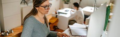 Tipps und Tricks für das beste Homeoffice. Dein Büro zu Hause sollte dich dazu inspirieren, effektiv und produktiv zu arbeiten.
