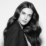 Fibre Clinix Black and White Image Model with Black Hair