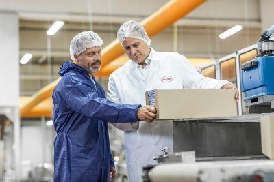 Henkel melihat adanya permintaan tinggi akan solusi hotmelt untuk pengemasan di Indonesia