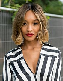 Model Jourdan Dunn loves Strobing