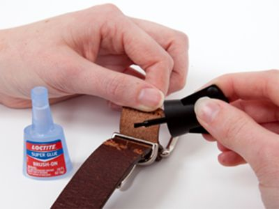 Super glue with a brush: The answer for detailed work