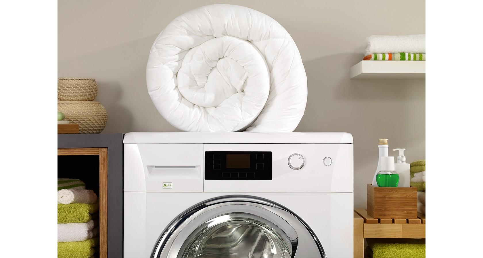 Hygienisch saubere Bettwäsche, Waschmaschine mit Handtuch