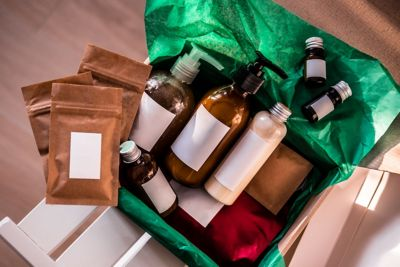 Namensetiketten einsetzen Flaschen