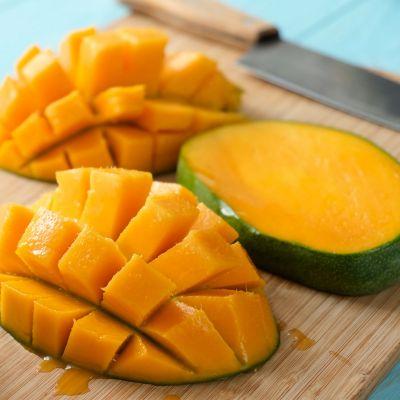Wie schneidet man eine Mango richtig