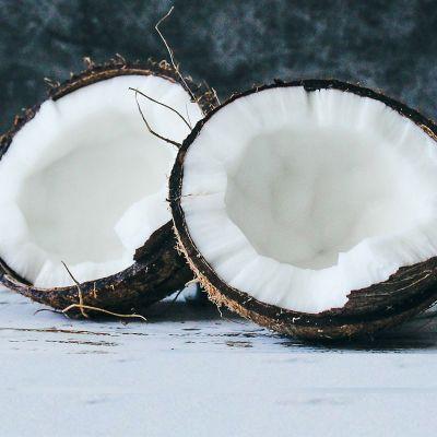 Wie öffne ich eine Kokosnuss