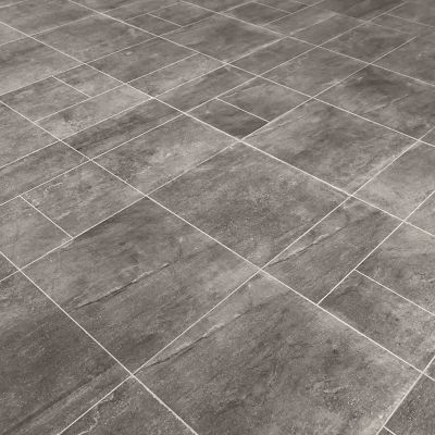 Cleaning slate tiles