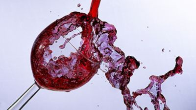 How to clean wine stain from clothing