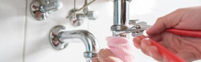 Rohrreinigung: Was hilft bei einem verstopften Abfluss?