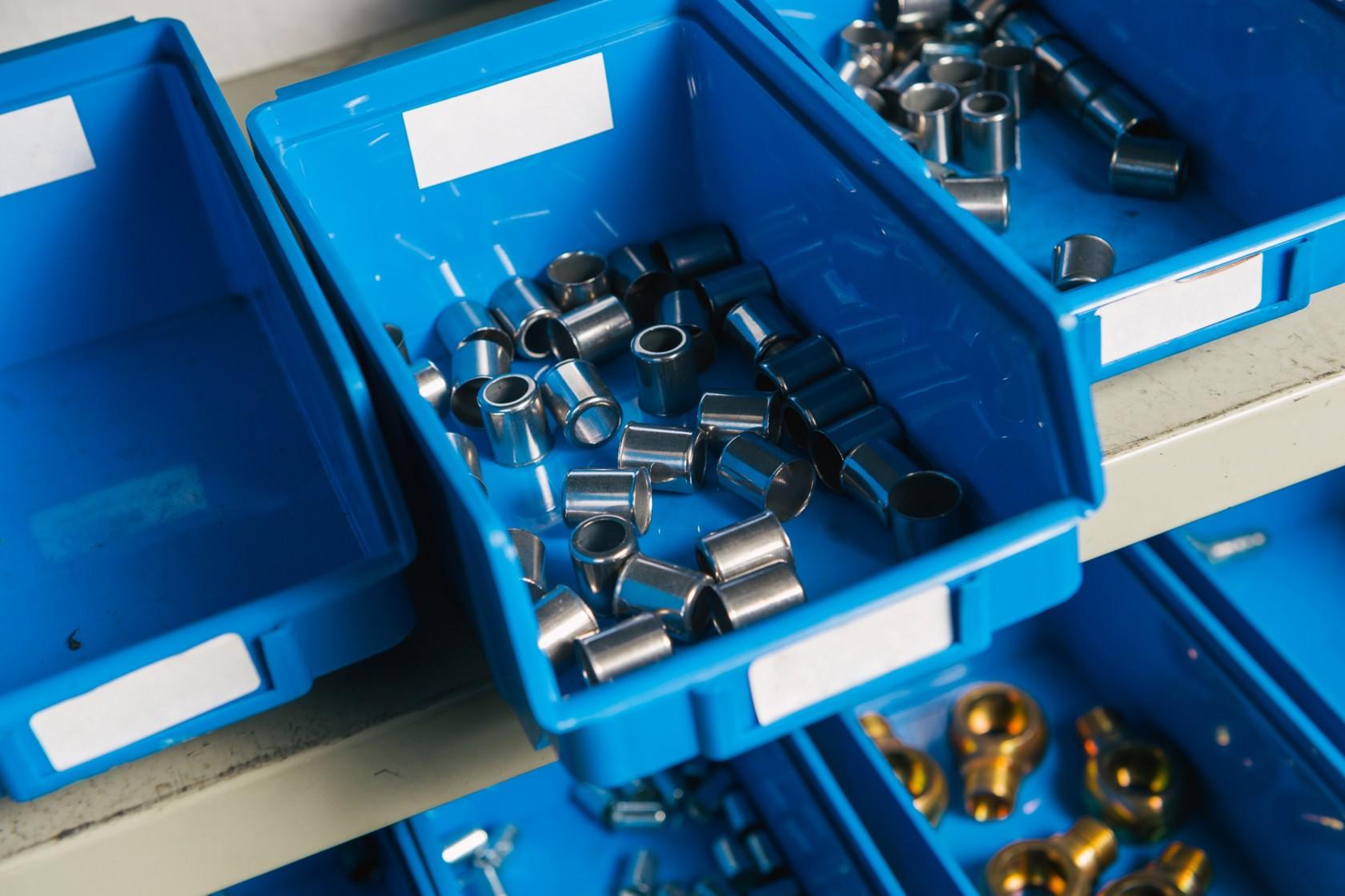 Werkstatt Ordnungssystem mit Schraubenboxen