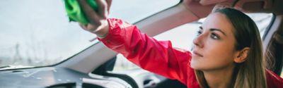 Czyszczenie samochodu może być proste: Wskazówki i porady z zakresu szybszego i lepszego mycia