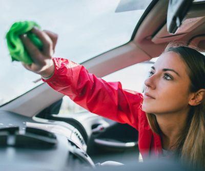 Najlepsze sposoby na czyszczenie samochodu – porady