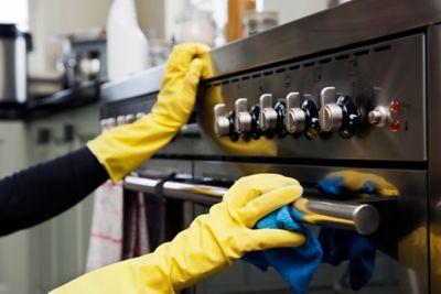 Küche reinigen Backofen