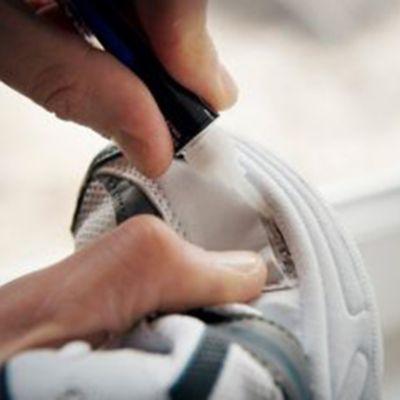 Como consertar sapatos?