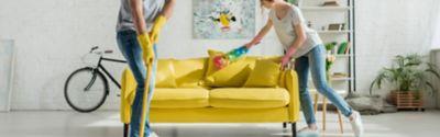 Wiosenne porządki – Topowy przewodnik po dokładnym sprzątaniu salonu