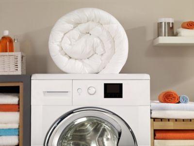 Wie wäschst du Bettdecke & Kissen richtig?