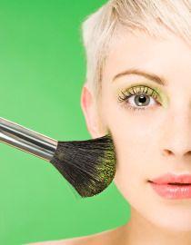 Make-up für blondes Haar