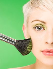 El maquillaje ideal para las rubias