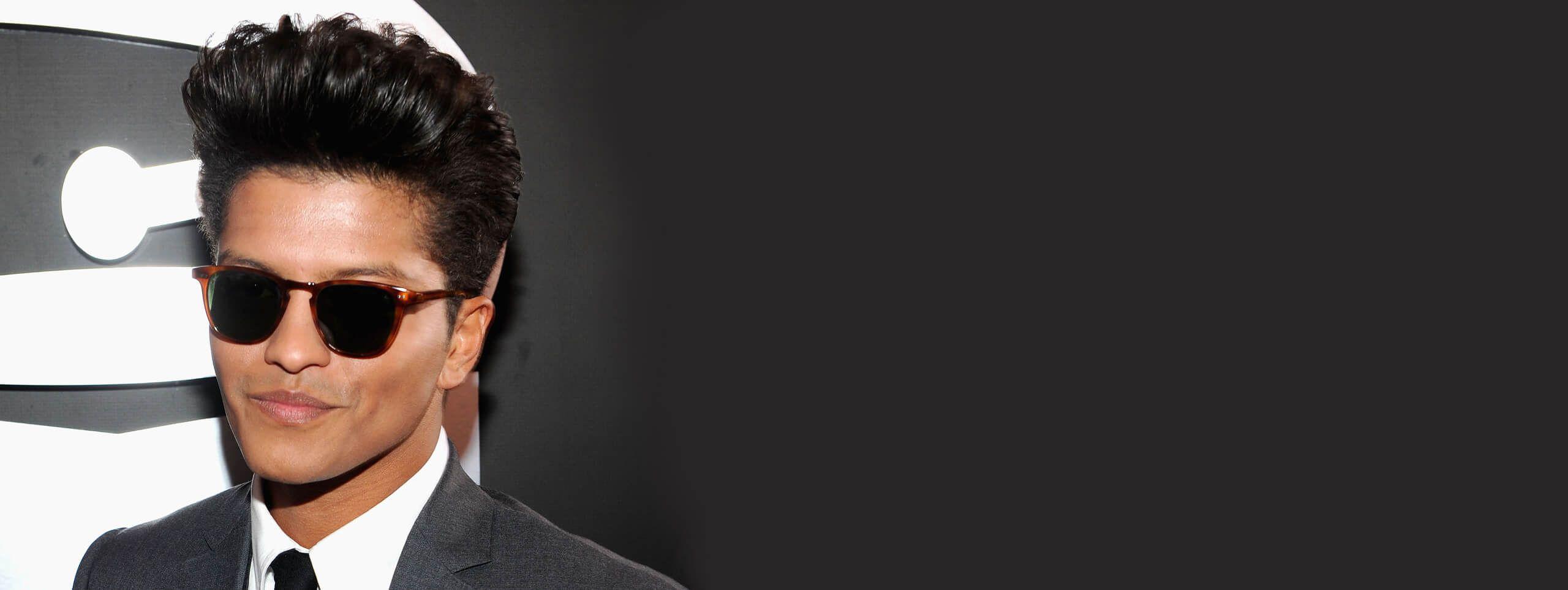 Bruno Mars coupe Pompadour
