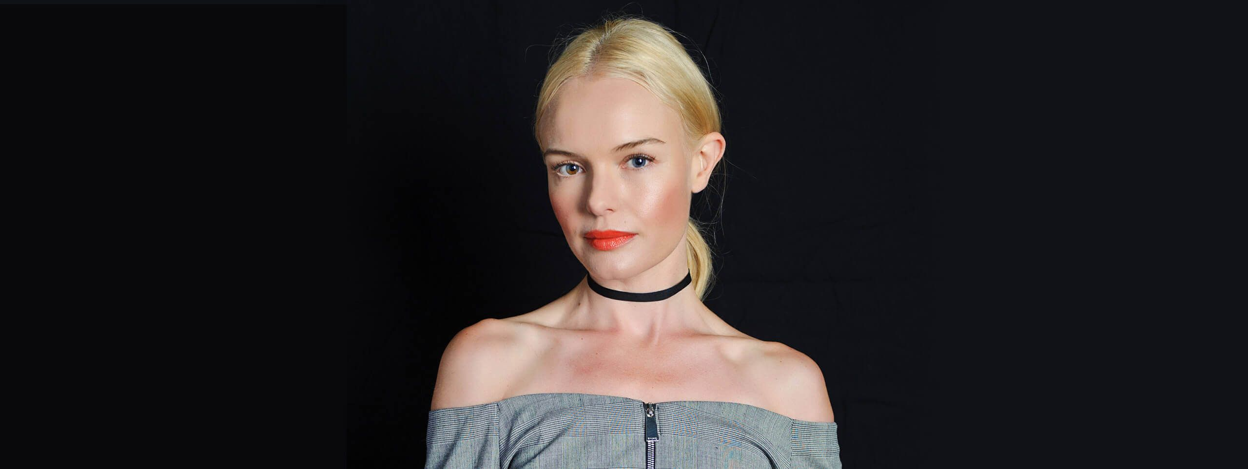 Celebrity hairstyle with tied up blonde hair