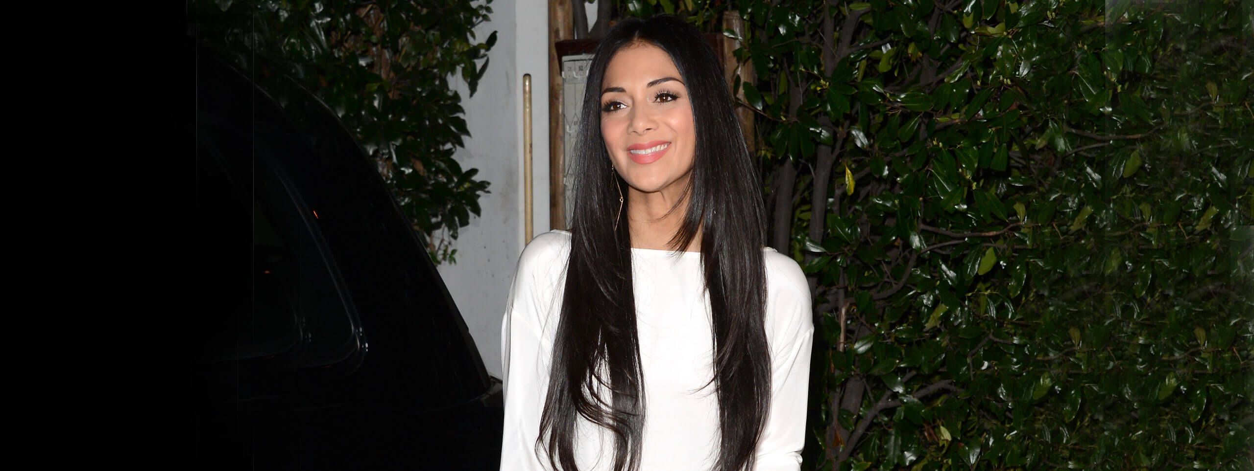 Celebrity with long hairs extensions, a trendy women hairstyle